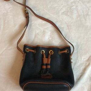 Handbags - VINTAGE Dooney and Bourke cross body